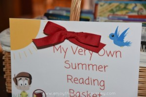 reading basket front