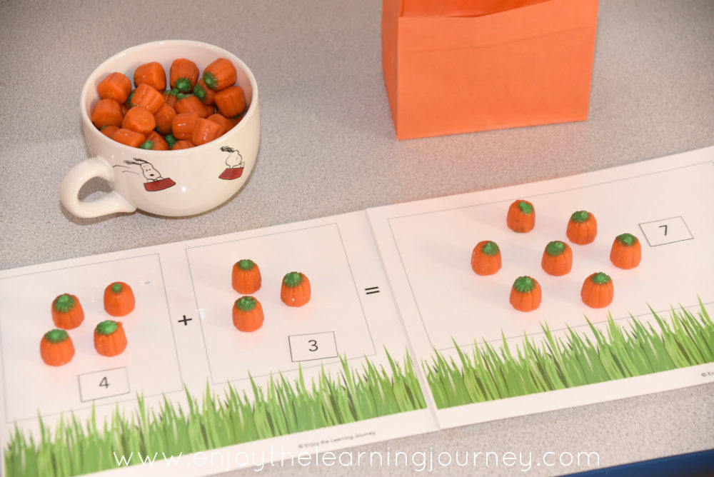 Supplement your child's learning with this pumpkin addition activity! Use this FREE printable mat with the book It's the Great Pumpkin, Charlie Brown.