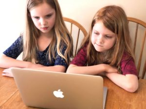 Foreign Language for Kids by Kids is a simple, easy-to-use online Spanish curriculum.